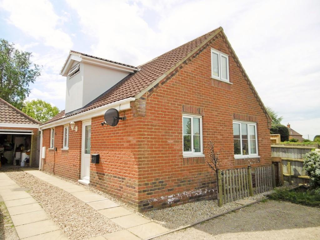 4 Bedrooms Detached House for sale in Erpingham