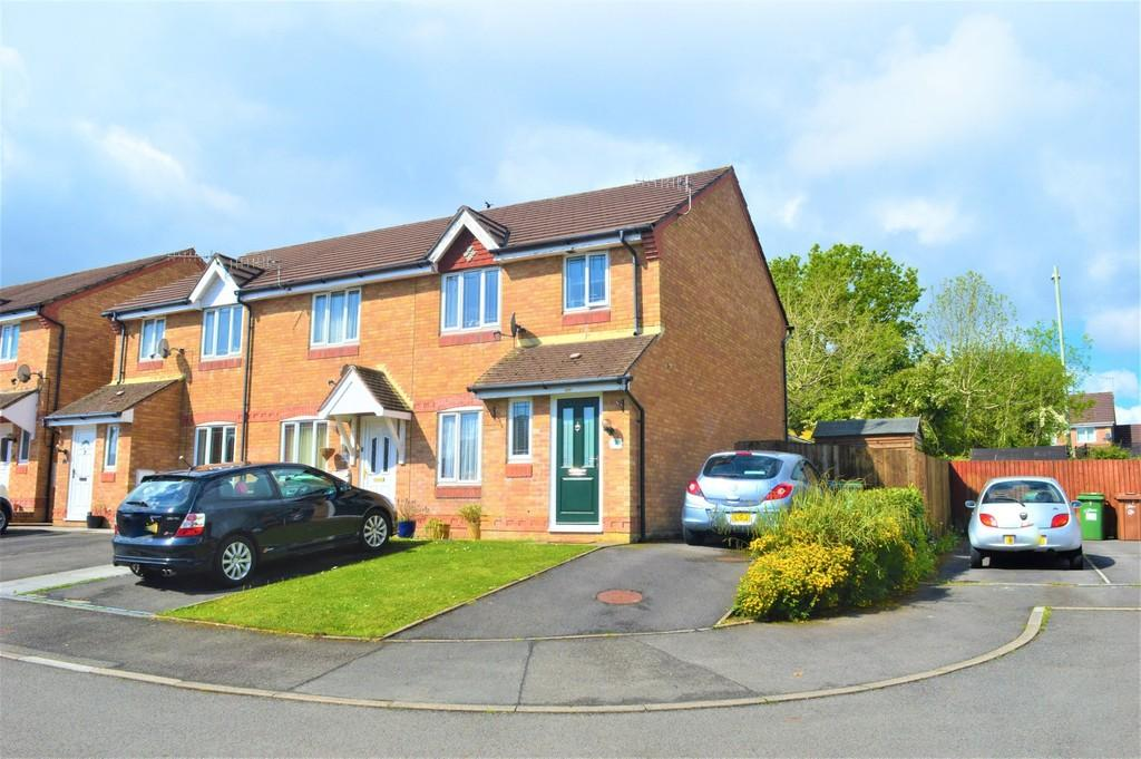 3 Bedrooms End Of Terrace House for sale in Clos Cae Mawr, Bryn Siriol