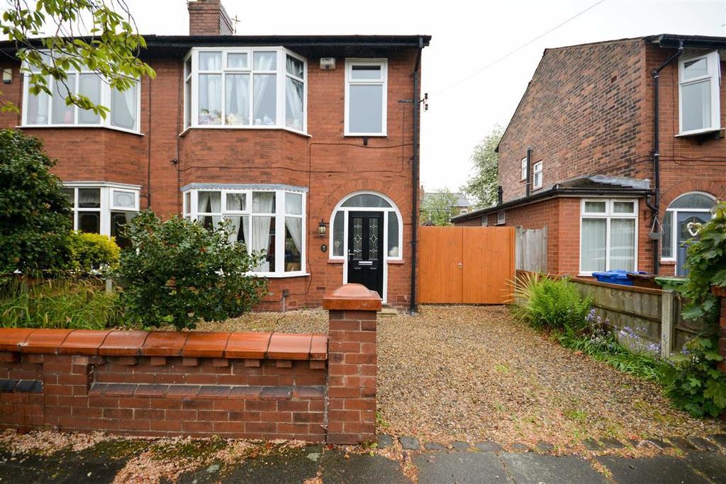 3 Bedrooms Semi Detached House for sale in Eskdale Avenue, Swinley, Wigan, WN1