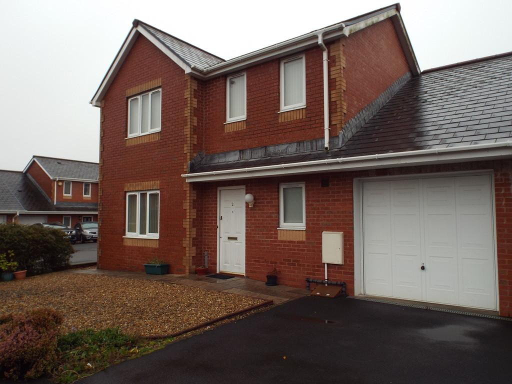 3 Bedrooms Link Detached House for sale in Heol Derwen, Cross Hands