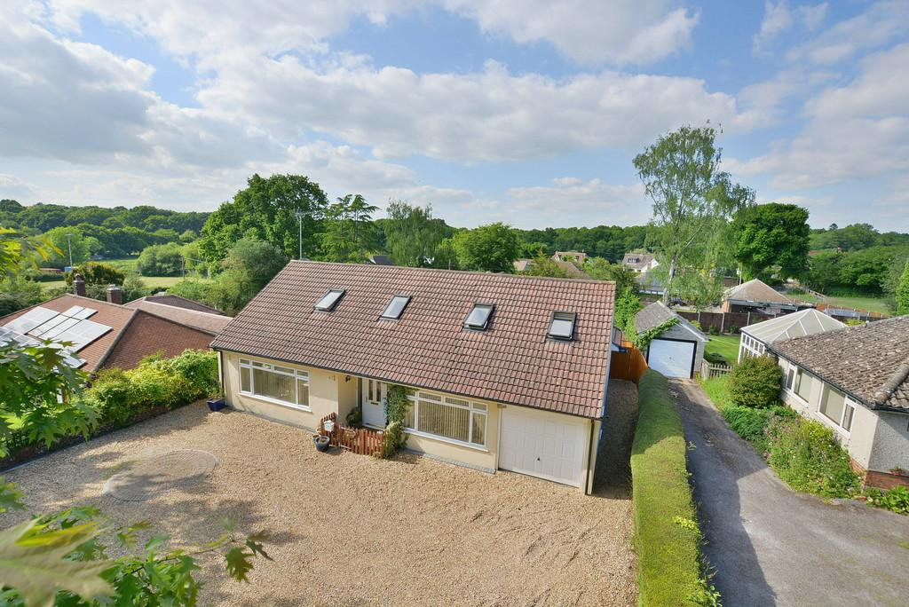4 Bedrooms Chalet House for sale in Verwood Road, Woodlands