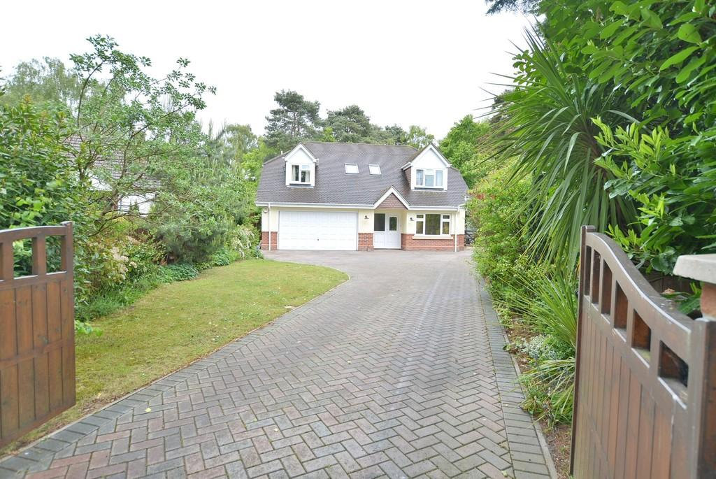 4 Bedrooms Chalet House for sale in Birch Avenue, West Parley