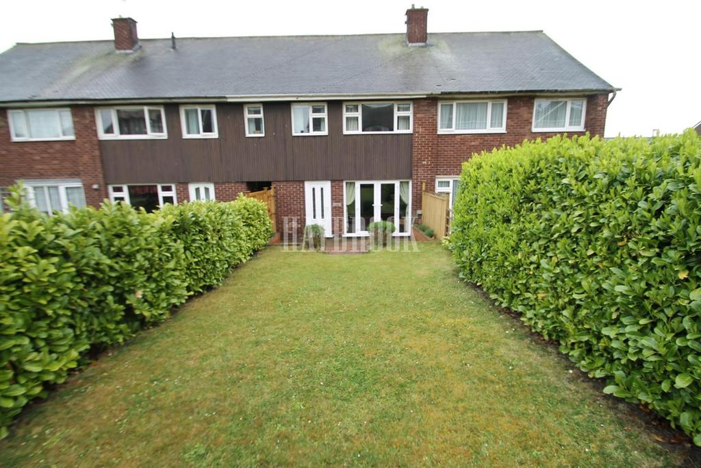 3 Bedrooms Terraced House for sale in Whitehall Way, Rockingham