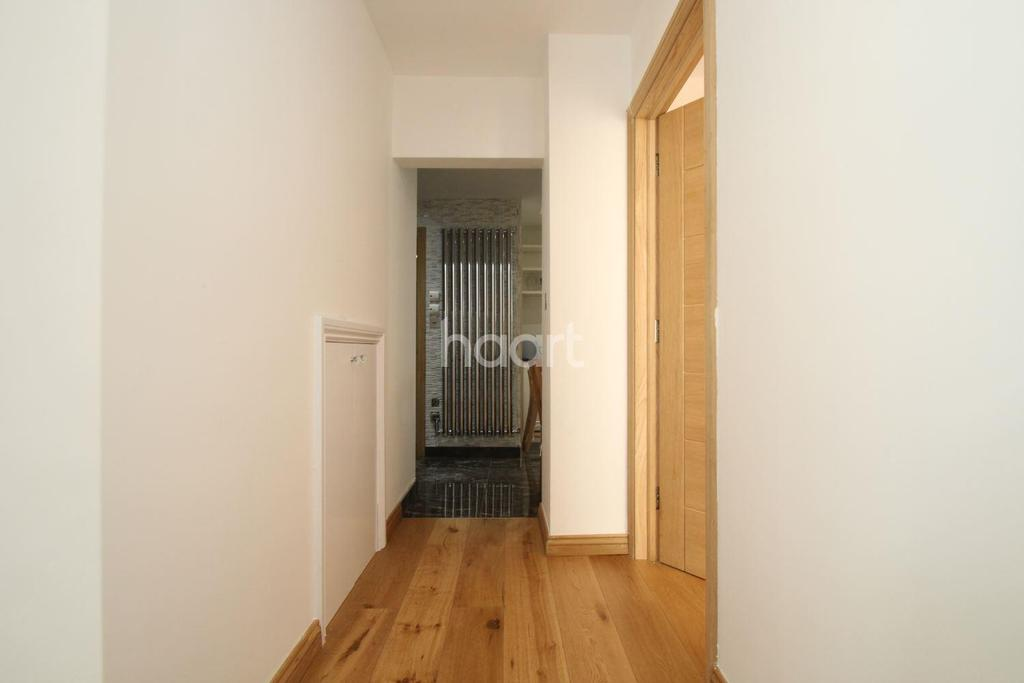 3 Bedrooms End Of Terrace House for sale in Faringdon Avenue, Harold Hill