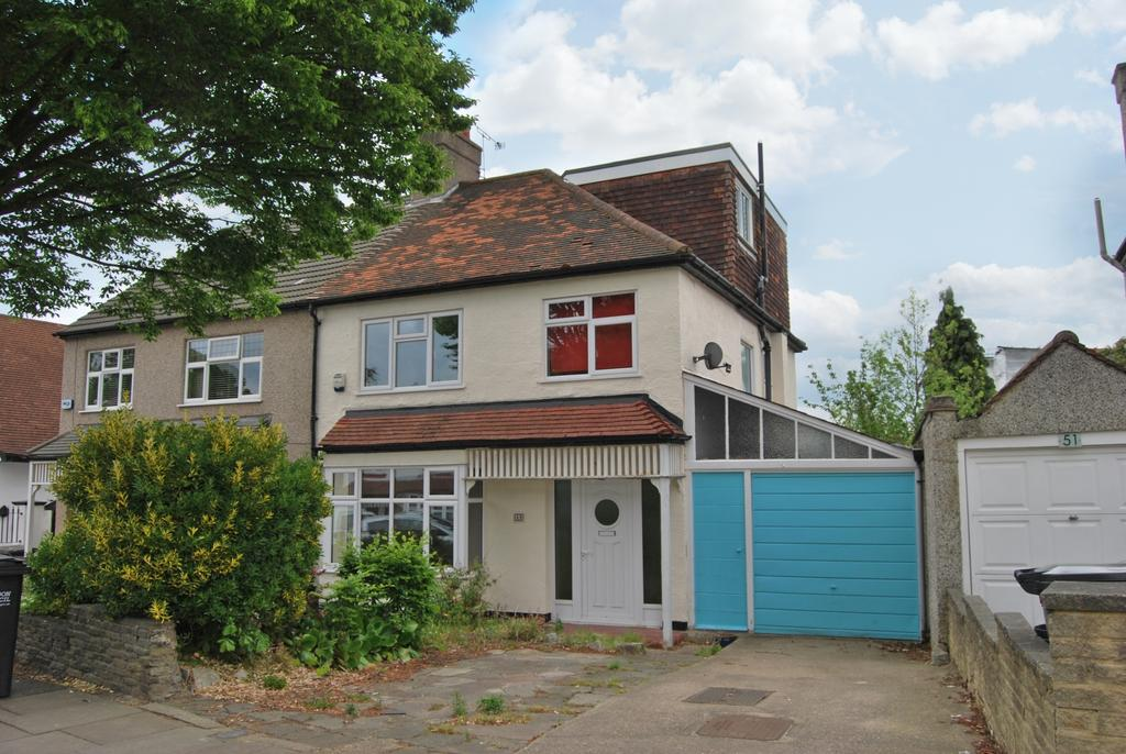 4 Bedrooms Semi Detached House for sale in Alexandra Crescent Bromley BR1