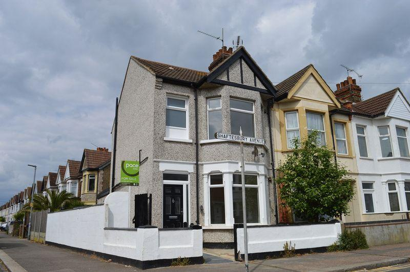 3 Bedrooms End Of Terrace House for sale in Shaftesbury Avenue, Southend-On-Sea