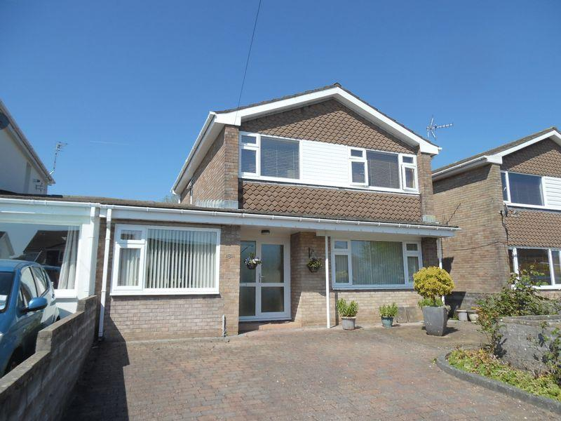3 Bedrooms Detached House for sale in Castle Meadow Coity Bridgend CF35 6DA