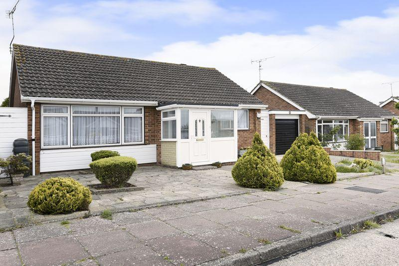 2 Bedrooms Detached House for sale in Adur Avenue, Worthing