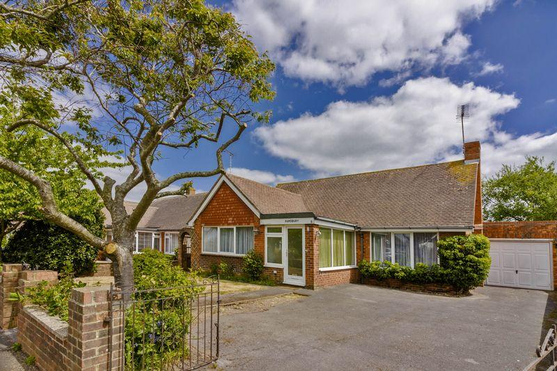 2 Bedrooms Bungalow for sale in Parry Drive, Rustington