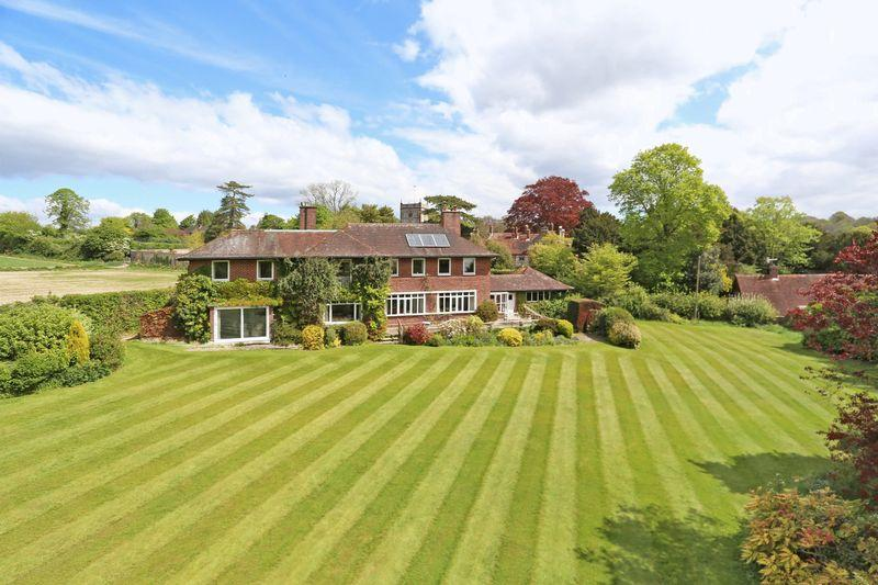 6 Bedrooms Country House Character Property for sale in Vicarage Lane, Hambledon, Hampshire