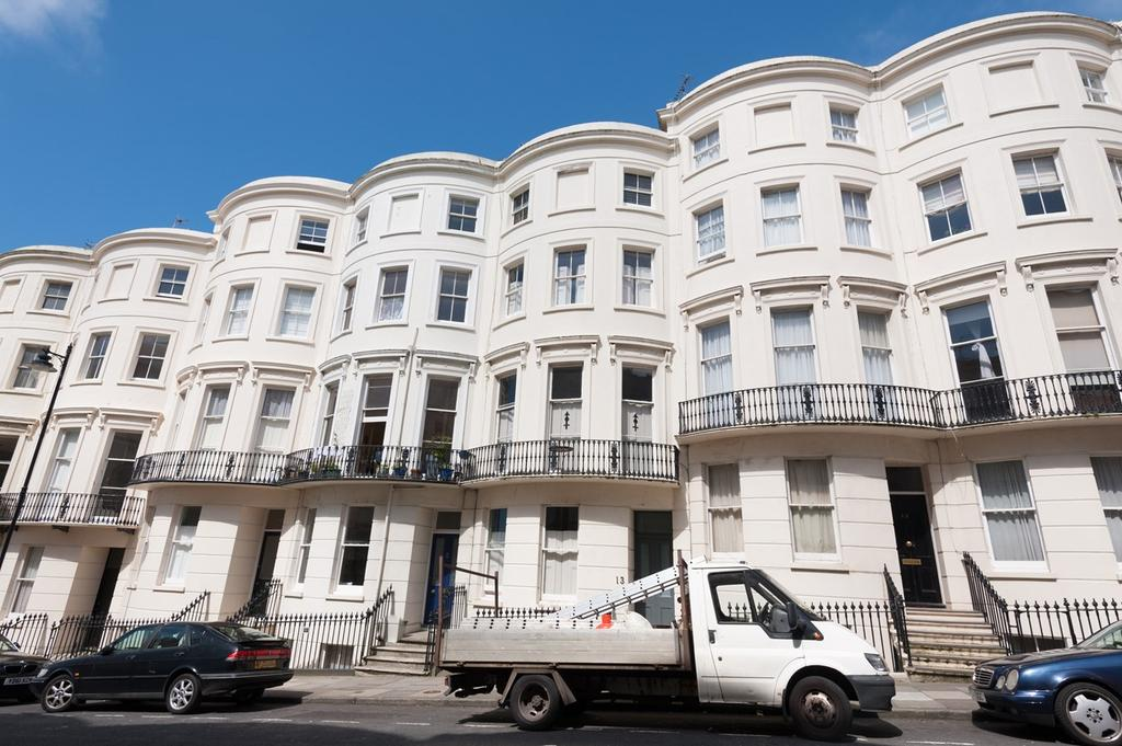 6 Bedrooms Terraced House for sale in Eaton Place, Brighton, BN2