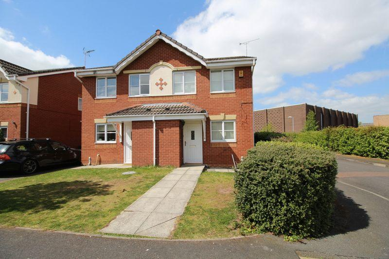 2 Bedrooms Semi Detached House for sale in Falcon Road, Wrexham