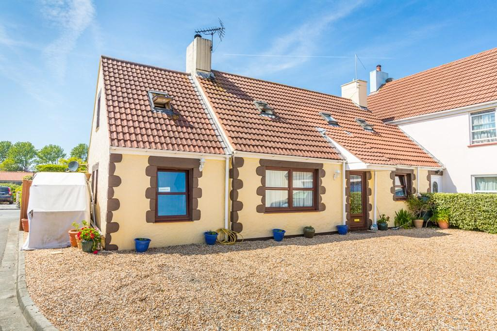 3 Bedrooms Semi Detached House for sale in Route de Sohier, Vale, Guernsey