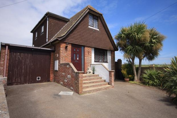 5 Bedrooms Detached House for sale in View Road, Peacehaven, BN10