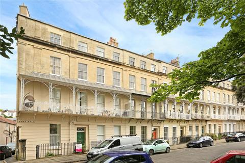 2 bedroom flat to rent - West Mall, Bristol, BS8