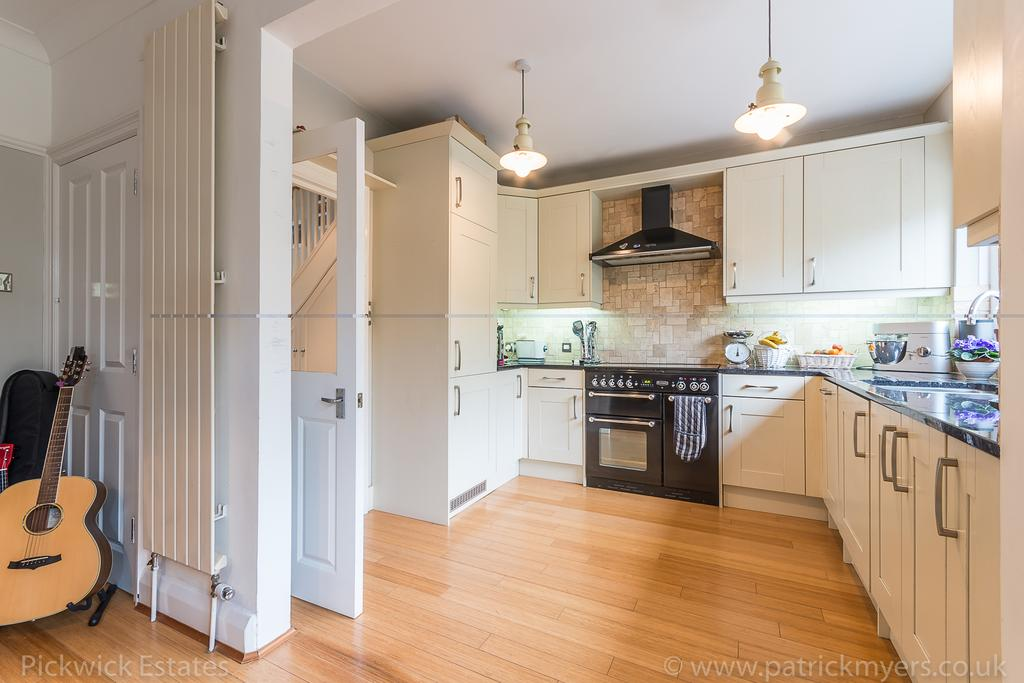 5 Bedrooms Terraced House for sale in Upland Road East Dulwich London