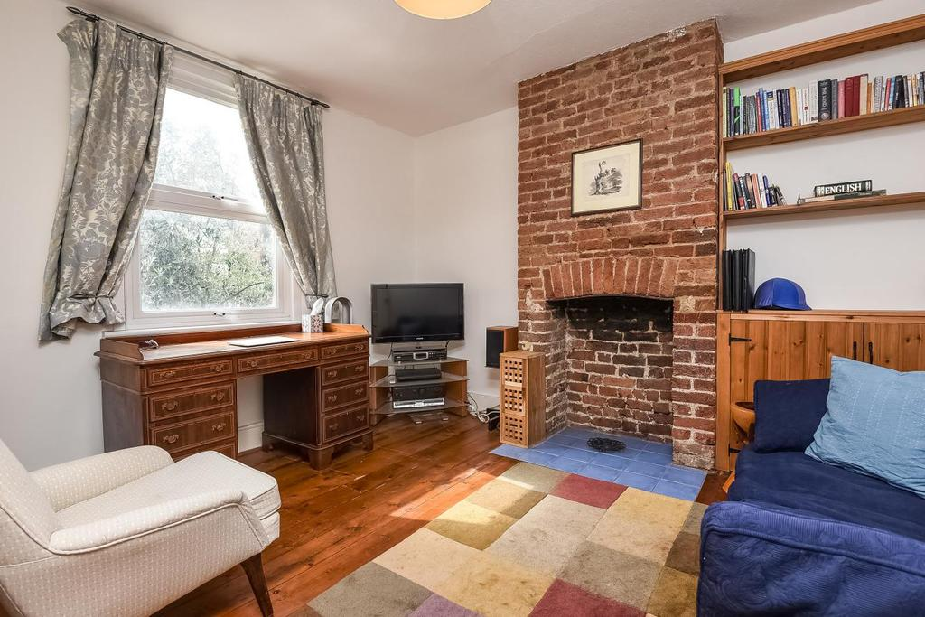 2 Bedrooms Terraced House for sale in Victoria Road, Kingston upon Thames, KT1