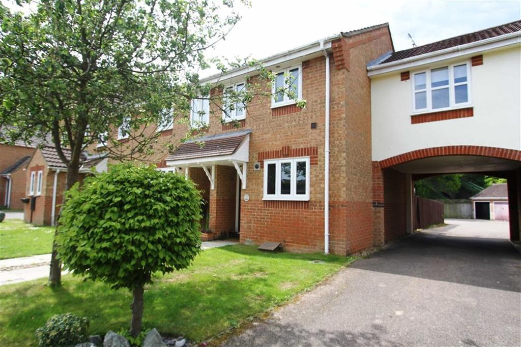 2 Bedrooms Terraced House for sale in Langley Place, Billericay
