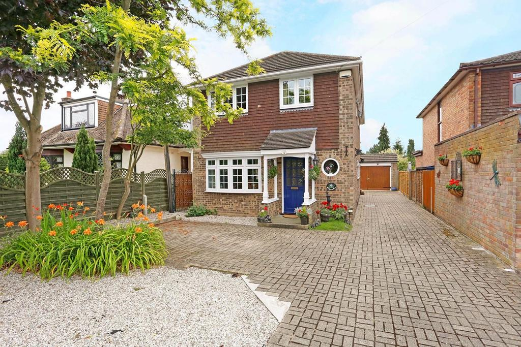 4 Bedrooms Detached House for sale in Church Road, Bulphan, Essex, RM14