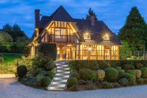 5 bedroom detached house  - House With Sea Views, Deauville, Normandy