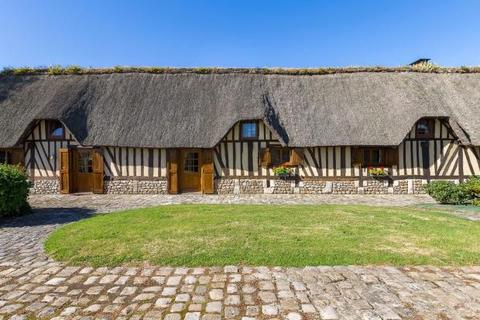 4 bedroom detached house  - Thatched Cottage, Pont-Audemer, Normandy