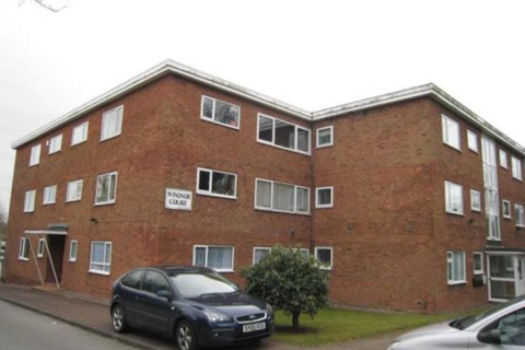 2 bedroom flat to rent - Windsor Court, Redditch Road, Kings Norton, Birmingham B38