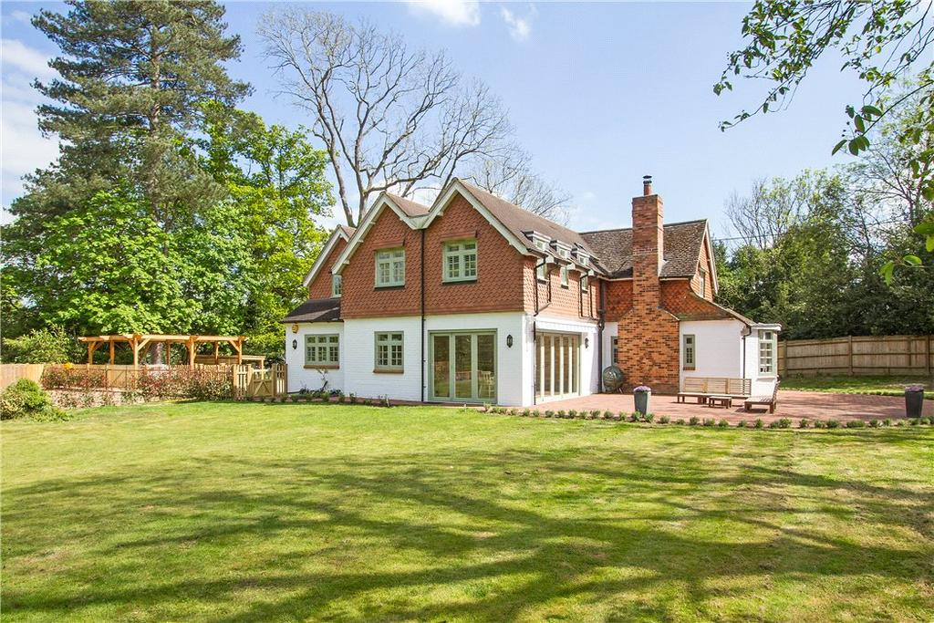 5 Bedrooms Detached House for sale in Mill Lane, Chiddingfold, Godalming, Surrey, GU8