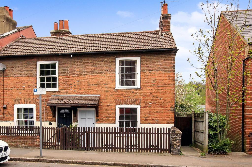 2 Bedrooms End Of Terrace House for sale in High Street, Berkhamsted HP4