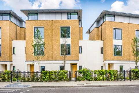 6 bedroom terraced house to rent   Beech Terrace  Ashchurch Villas   Goldhawk Road. Search 6 Bed Houses To Rent In Hammersmith And Fulham   OnTheMarket
