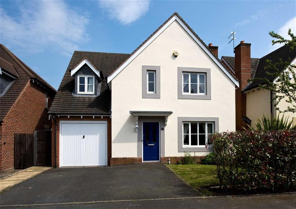 4 Bedrooms Detached House for sale in 28, Old Farm Drive, Codsall, Wolverhampton, South Staffordshire, WV8