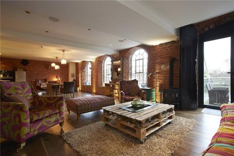 4 bedroom apartment to rent - The Bonding Warehouse, Terry Avenue, York, YO1