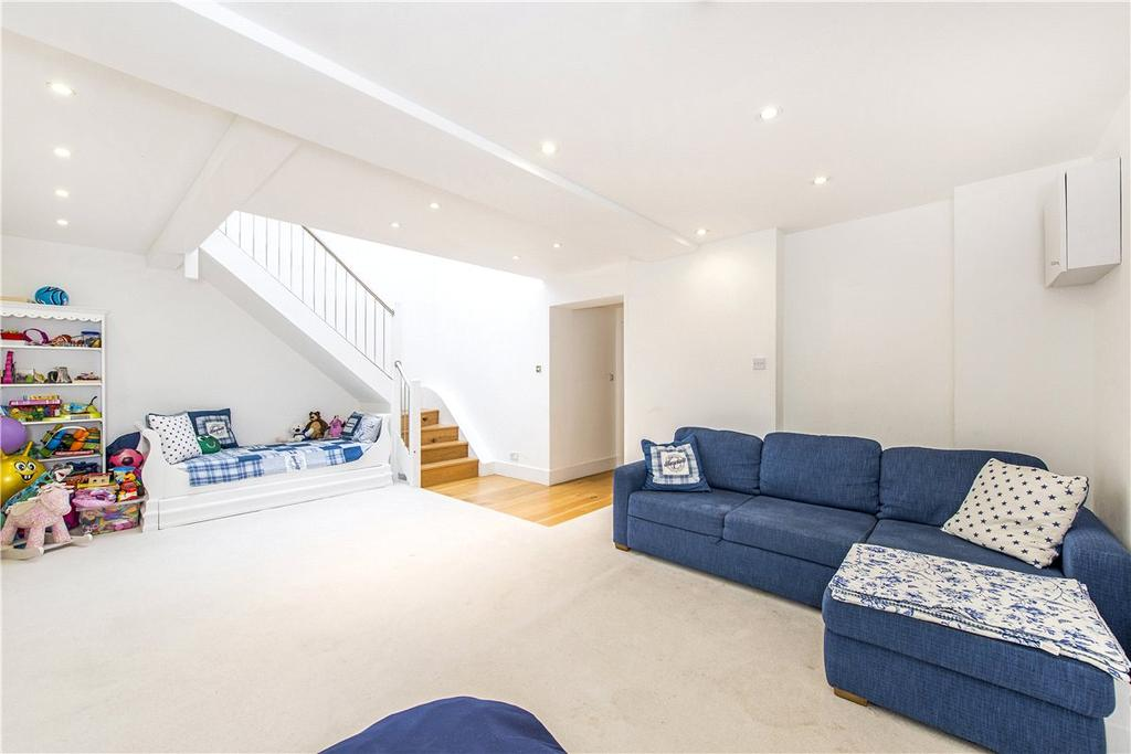 3 Bedrooms Apartment Flat for sale in Hotham Hall, Hotham Road, London, SW15