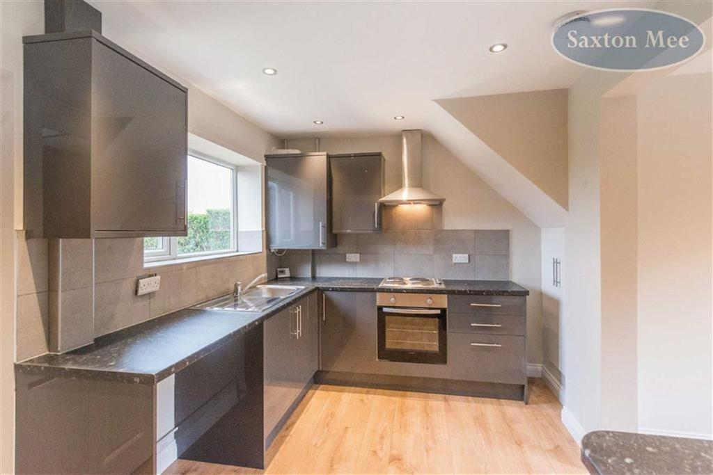3 Bedrooms Terraced House for sale in Kenworthy Road, Stocksbridge, Sheffield, S36
