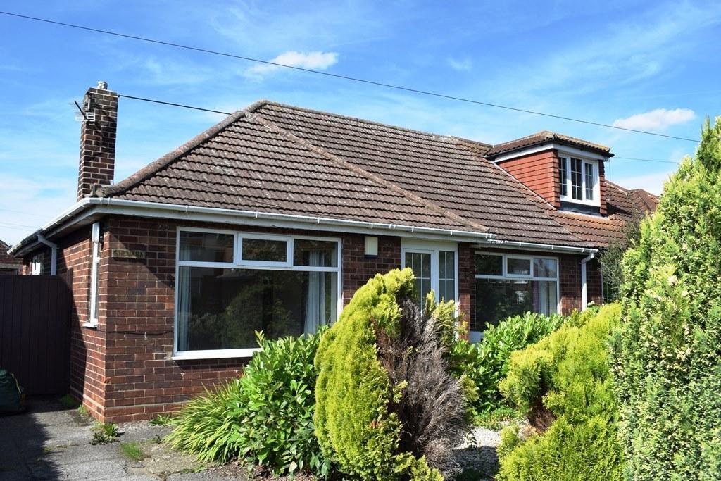 2 Bedrooms Semi Detached Bungalow for sale in Fairway, Waltham, DN37 0NE