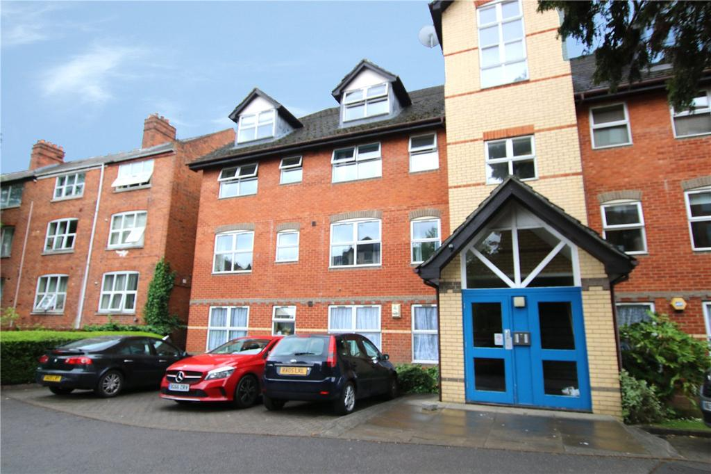 2 Bedrooms Flat for sale in Prestwick Court, Muirfield Close, Reading, Berkshire, RG1