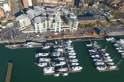 2 bedroom flat for sale - Dolphin Quays, Poole Quay, Poole BH15 1HH