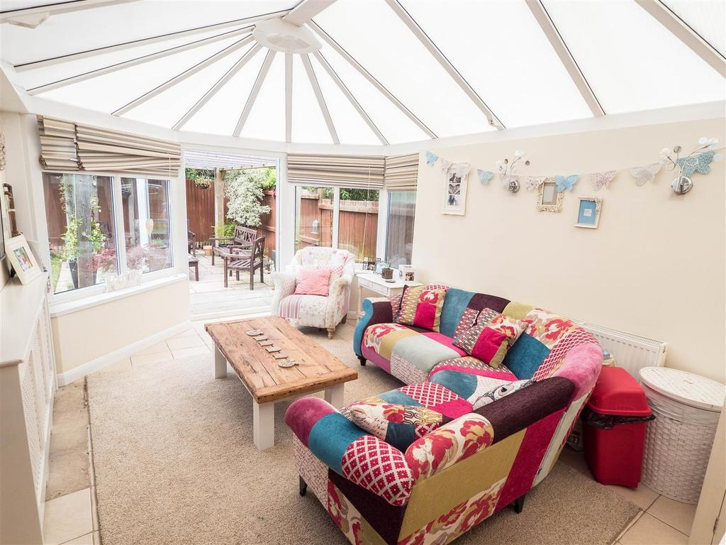 3 Bedrooms Detached House for sale in Burgess Hall Drive, Leeds, Maidstone