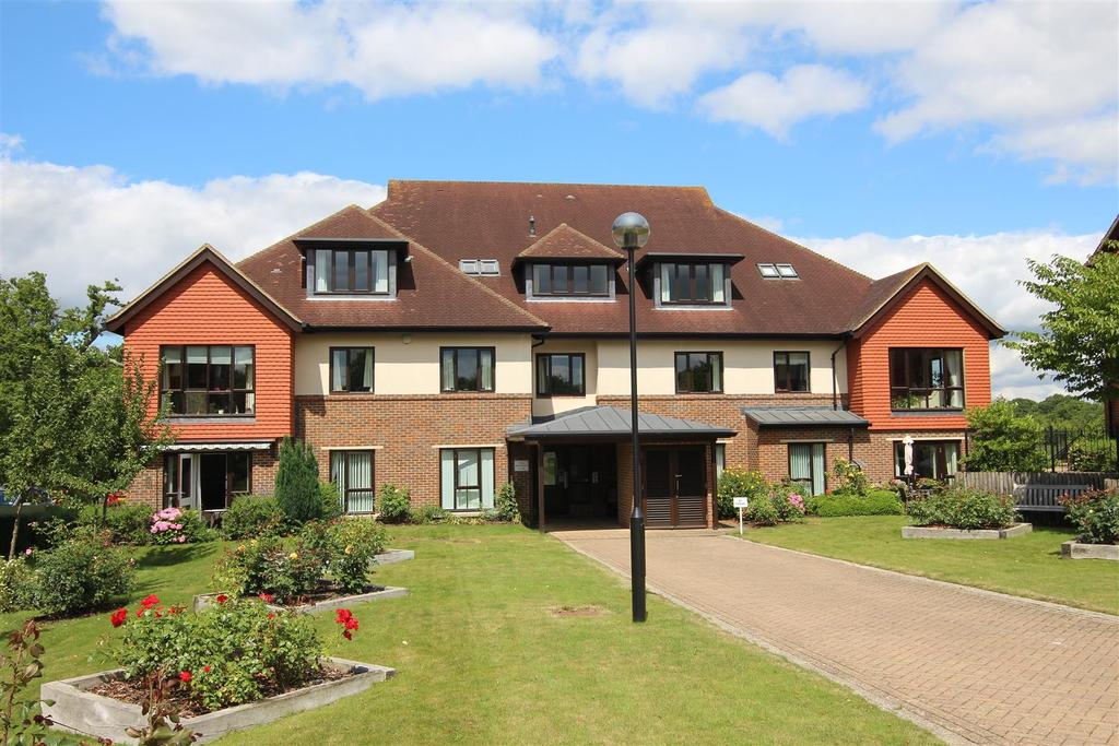 2 Bedrooms Retirement Property for sale in Ditchling Common, Burgess Hill