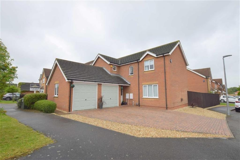 4 Bedrooms Detached House for sale in Ellen Way, Grimsby, North East Lincolnshire