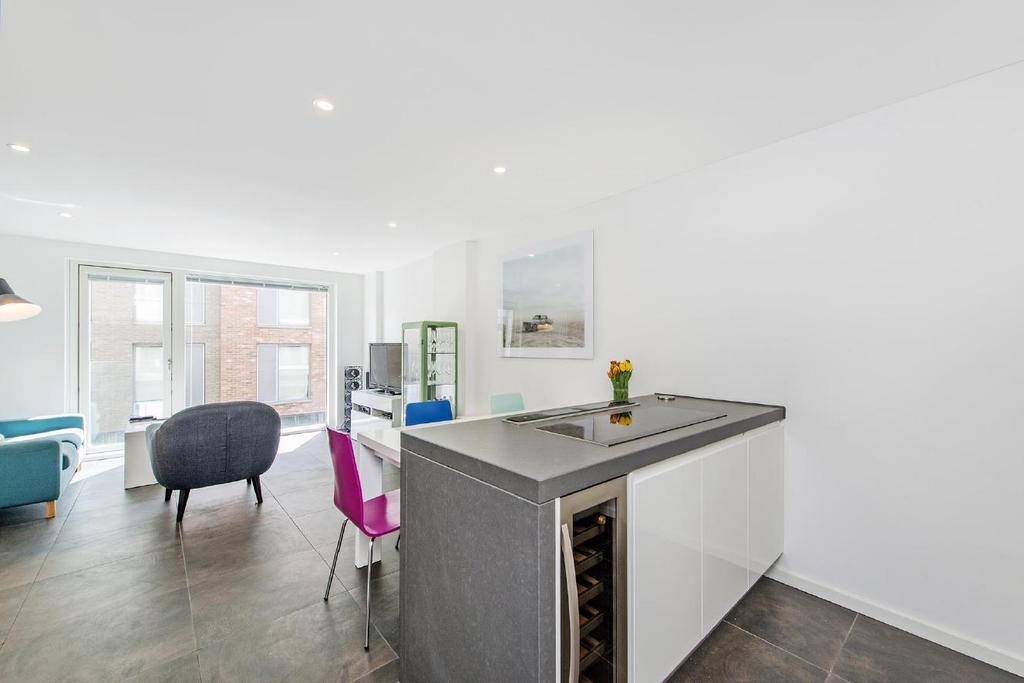 2 Bedrooms Flat for sale in Pear Tree Street, Clerkenwell, EC1V