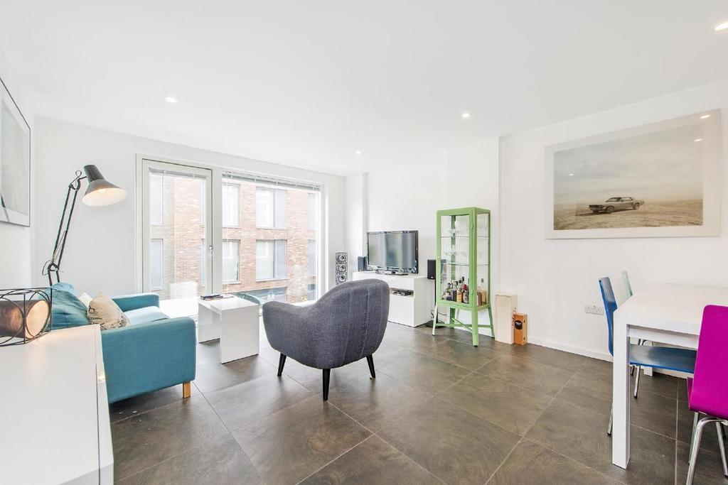 2 Bedrooms Flat for sale in Pear Tree Street, Clerkenwell