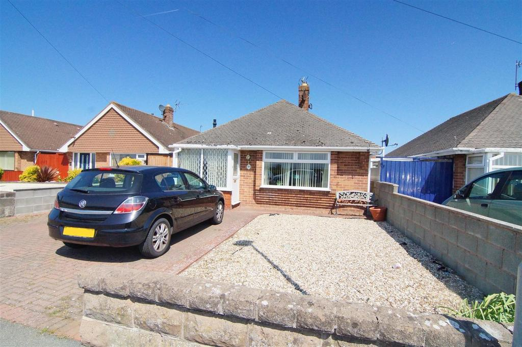 3 Bedrooms Detached Bungalow for sale in Ffordd Derwen, Rhyl