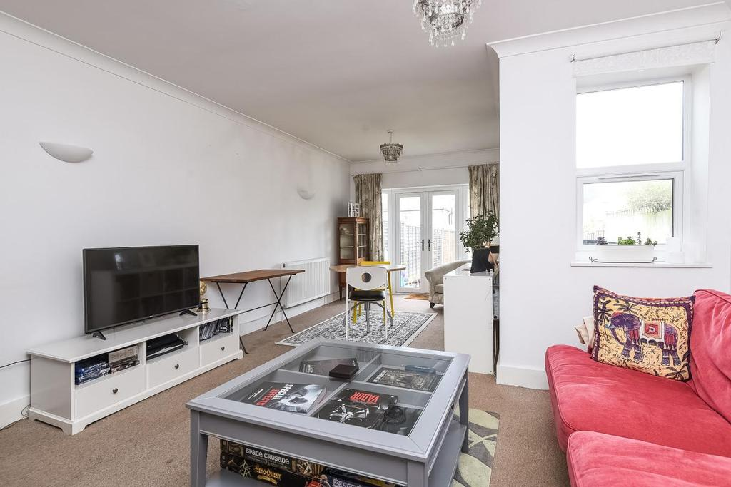 4 Bedrooms Terraced House for sale in Elliott Road, Bromley, BR2