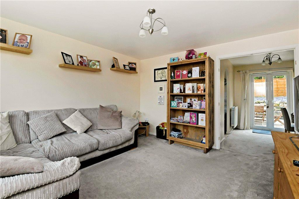 3 Bedrooms Semi Detached House for sale in Bramble Close, Killinghall, Harrogate, North Yorkshire