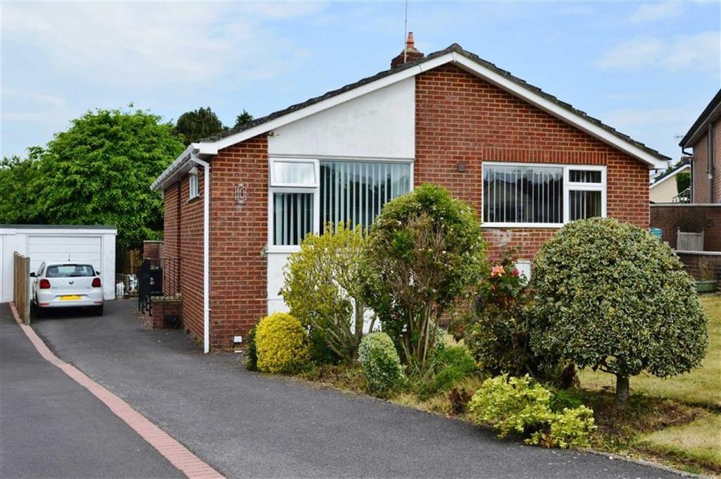 2 Bedrooms Detached Bungalow for sale in Paddock Close, Wimborne, Dorset