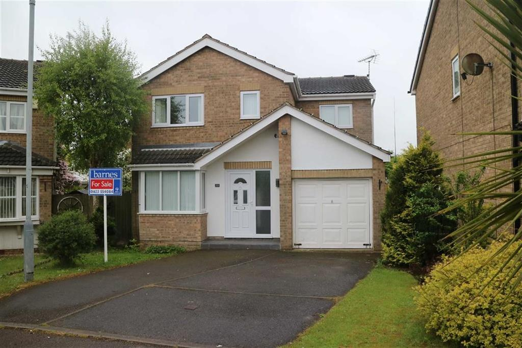 4 Bedrooms Detached House for sale in Burnside Close, Kirkby In Ashfield, Notts, NG17
