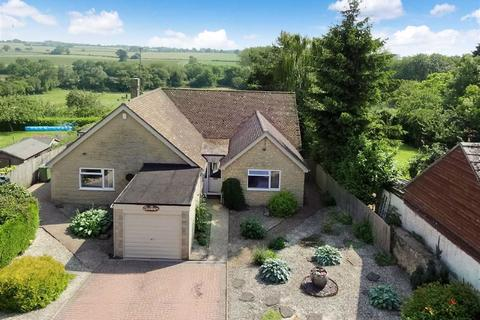 5 bedroom detached bungalow for sale - Crossways, 12, Cross Lane, Helmdon