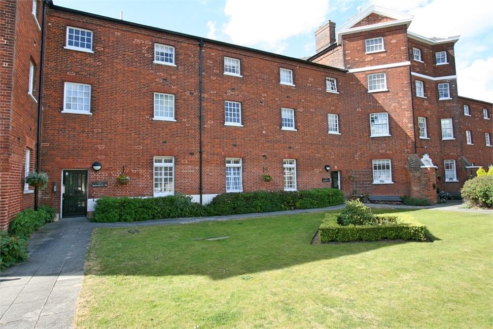 1 Bedroom Flat for sale in Home Bridge Court, Hatfield Road, WITHAM, Essex