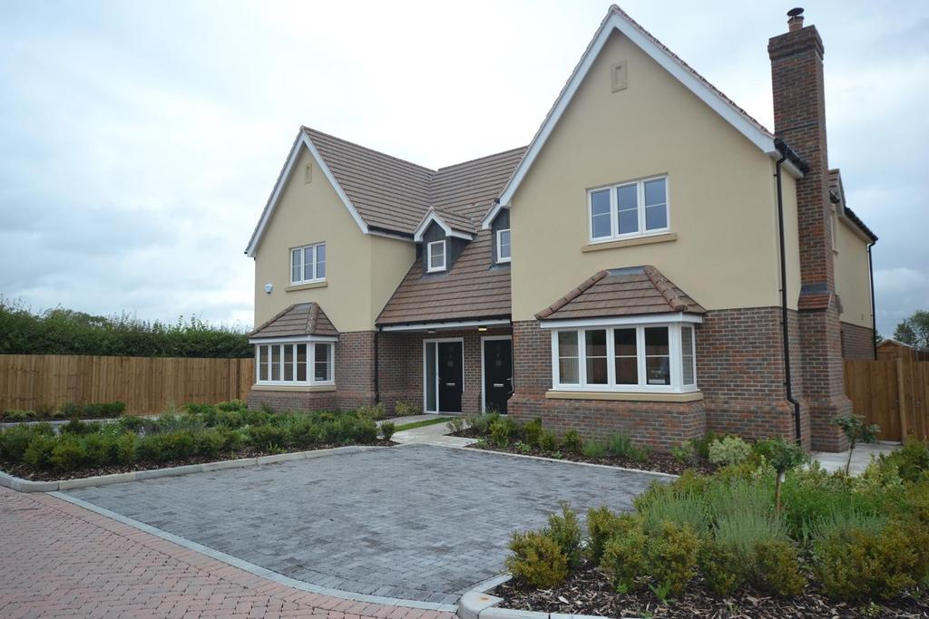 4 Bedrooms Semi Detached House for sale in Plot 2 Dunmow Road, Ongar, Essex, CM5