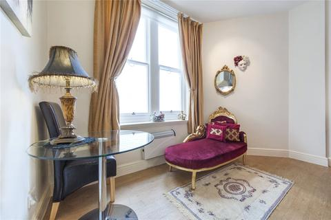 Studio to rent - Burleigh Mansions, Charing Cross Road, London, WC2H